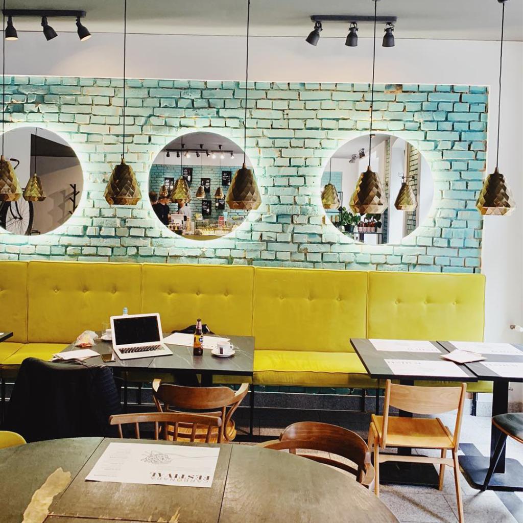 Jak Zarezerwować Stolik W Restauracji Mytujemy